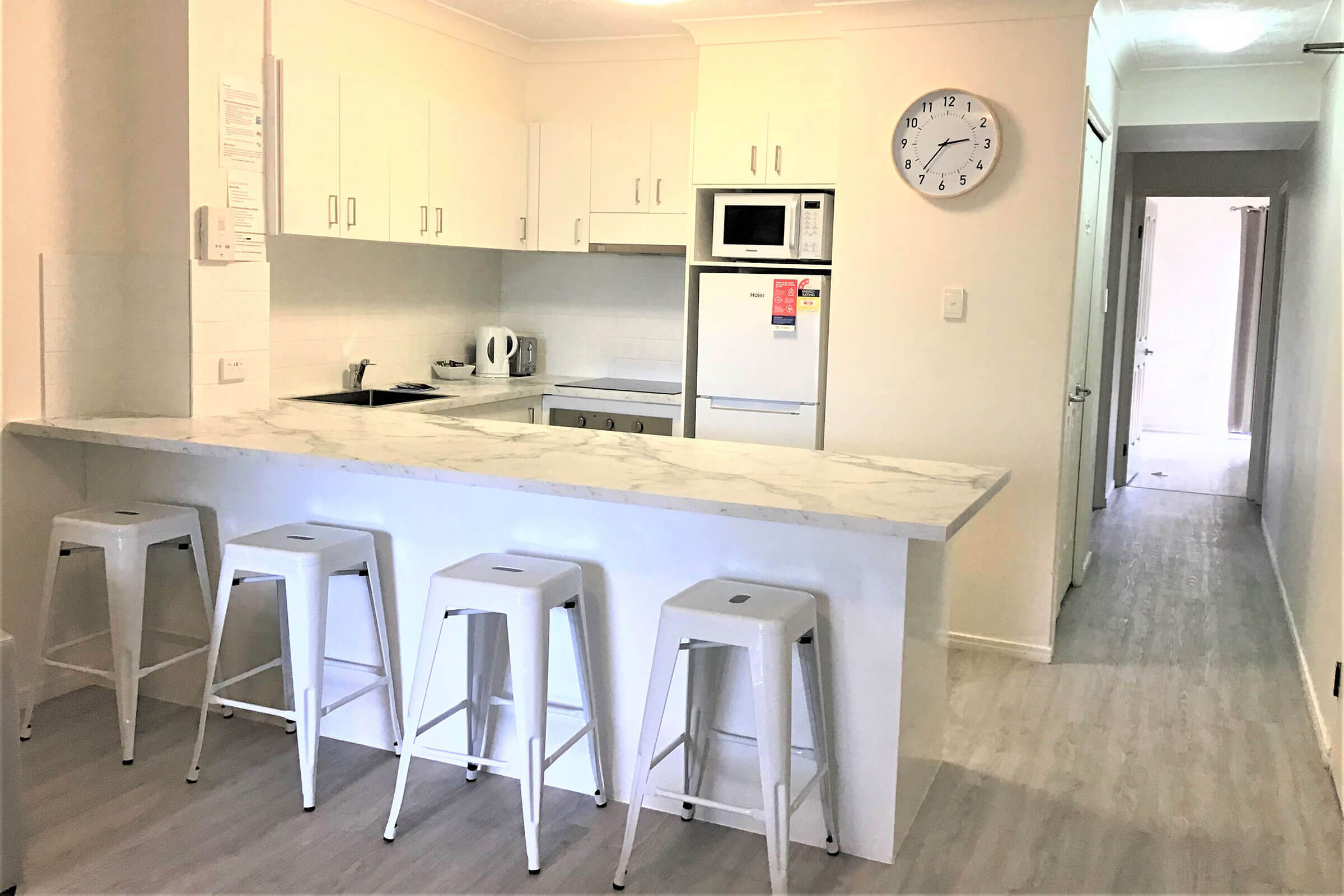 Beaches-on-Wave-3-Bedroom-Apartment-kitchen